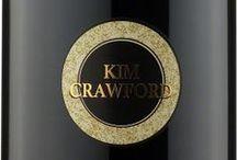 Wino - Nowa Zelandia - Hawke's Bay / Położony na Wyspie Północnej, drugi według rozmiaru upraw, region winiarski Nowej Zelandii. Stuprocentowa stolica nowozelandzkiego Chardonnay. Cieplejszy niż na Wyspie Południowej klimat pozwala na szeroki wachlarz uprawianych odmian. Oczywiście ważną rolę odgrywa tu kuzyn Chardonnay - Pinot Noir, a także Sauvignon Blanc – największy sukces winiarstwa całego kraju. Bez problemu znajdziemy jednak wina Cabernet Sauvignon, Merlot i Syrah.