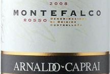 Wino - Włochy - Umbria / Umbria leży w sercu Włoch. Od wschodu graniczy z regionem Marche, od zachodu z Toskanią. Region wytwarza przeważnie wina białe, z których najbardziej znanym jest Orvieto. Do dziś krąży opowieść o tym, jak papież Grzegorz XVI zażyczył sobie, by jego ciało przed pochowaniem umyto właśnie winem Orvieto. Znajdziemy tu także świetne Chardonnay i Sauvignon Blanc, a także Grechetto. Czerwone wina to w pierwszym rzędzie gęste i mocne Sagrantino di Montefalco, będące jednym z najcięższych win czerwonych.