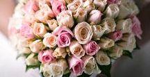 La scelta del Bouquet / Sicuramente è il mazzo di fiori che ogni donna conserverà per sempre nella propria memoria. E non solo, sono in tante le spose che conservano per tutta la vita qualche fiore nascosto tra le pagine del libro preferito o nella scatola dei ricordi più cari. Anche perché anche se non tutti lo sanno, il bouquet dovrebbe essere l'ultimo regalo che il marito fa alla sua futura sposa. Allo sposo quindi il compito di sceglierlo e regalare il bouquet alla futura sposa.