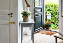 Entry Ways / by Wendy Hyde