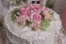 Vintage Style Cakes / Elegant and Beautiful / by Alice Bradway