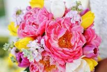 Summer Weddings / Mirror the warmth of a summer wedding with bold, colorful arrangements!