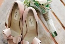 WEDDING > accessories / Shoes, underwear, neckles... All necessary accessories for this day