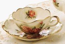 ♥ PORCELÁN * šálky s růžemi ♥ / ♥ Na každém šálečku jiná je růžička, jedna je veliká druhá je maličká ♥