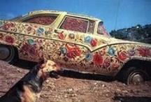 Betsabeé Romero / Artista contemporánea mexicana, ha conseguido hacer de un objeto tan ordinario como la llanta de un camión un verdadero monumento, Betsabeé es una de las artistas mexicanas contemporaneas más reconocidas internacionalmente, se ha presentado en múltiples exposiciones a nivel mundial.