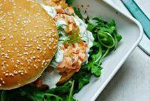 Burger / Bagel / Pizza / Wrap / Tout ce qui concerne ce qui se fait sur le pouce et qui s'engloutit tout aussi vite.