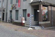 Museum vlakglas- en emaillekunst Ravenstein / Uniek museum met emaillekunst (sieraden en panelen) en vlakglas ( glas-in-lood, glasmozaiek, glasapplique) Helaas bestaat het museum niet meer per  half oktober 2016