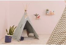 Tipi-Zelte und Spieldecken für Kinder / Tipi-Zelte und passende Spieldecken von Nobodinoz fürs Indianer-Kinderzimmer.