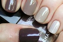 {Mirror Mirror} Nails / by Rock My Style