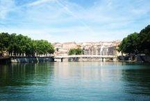Au fil de l'eau / A Lyon, ville d'eau, vous pouvez profiter des Berges du Rhône et des Rives de Saône !