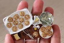 Mini słodycze z modeliny/ Cookie, cupcakes, candy of polymerclay / Najsłodsze miniaturowe słodycze- babeczki z lukrem, czekoladki w bombonierkach, lizaki, żelki czyli wszystko co uwielbiają dzieci i dorośli w miniaturowych wielkościach.