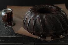 food definitely dark / Photo set of food with dark mood #food #black #dark #drama #light