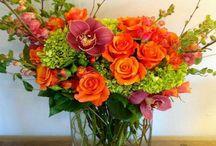 Designs by Penguin Flowers / Floral arrangement