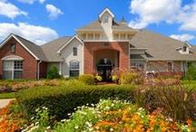 Clarksville Metro Apartments for Rent / When you live in one of our communities, your needs are answered by a team of professional, caring team members who take pride in providing a great place to live. You'll also enjoy unmatched services, from modern conveniences like paying your rent online to a guaranteed quick response to any maintenance issues. And you'll find our communities are not only of the highest quality, but also in top locations.
