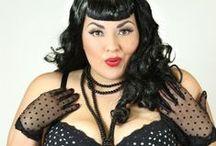 Whatshall: Plus Size Burlesque Retro Vintage Pin Up / corsets, dresses. Naisille jotka näyttävät naisilta. Onko enää vain burleski-asuissa kokoja jotka riittävät aikuisille naisille? Hyvä niin :)