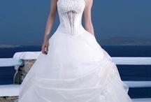 Wedding Dresses / by Ashley Horton