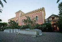 CASTELLO XIRUMI-SERRAVALLE - Antiche Emozioni- Partner GOLD / Il Castello Xirumi-Serravalle, risalente al XVI secolo, ancora oggi di proprietà privata, si trova in una posizione privilegiata a pochi minuti da Catania, Siracusa, Caltagirone e Ragusa e a un'ora circa da Taormina. The Castle Xirumi - Serravalle , dating back to the sixteenth century, in the center of one of the largest citrus of Sicily,  still privately owned , is located in a prime location just minutes from Catania , Syracuse, Ragusa and Caltagirone and about an hour from Taormina.