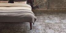 Vloeren / De vloer is de basis van elke ruimte.  Door een goede afweging te maken tussen functionaliteit en schoonheid komt elke ruimte tot leven.