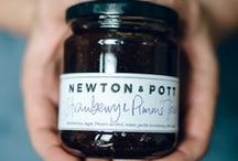 Newton and Pott / Newton & Pott is a London-based kitchen in Hackneyare. Homemade Chutneys, Jams & Preserves made by fresh and natural ingredients. Practising the artisan methods of yesteryear, just like Grandma used to do but combining interesting and creative flavours, sometimes with an exotic twist. Newton & Pott's goal is to adapt ecological awareness to our modern hectic lives.