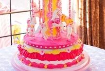 Beautiful Cakes / by Kim Hellinga Hammar
