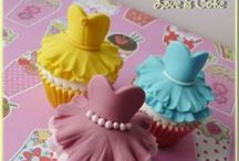 Baking - Fondant & Modeling Chocolate how-to / by Debbie Wolf