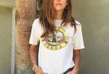 Fashion: T-shirt & Blouse / Guess no one can say t-shirt is out of date cause it is always trendy.