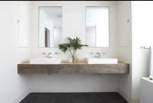 PINNING | Wooden Consolle for the Bathroom