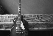 Les Paul / Les Paul Guitars