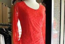 Moda donna: Freschi arrivi della settimana / Rosso corallo per un tocco di energia e femminilità. #abbigliamento #donna #modena