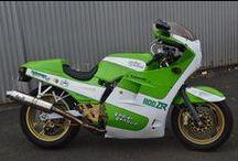 [TERMINE]Kawasaki 1100 ZR édition limitée préparée par Godier Genoud / Enchérissez sur cette superbe moto avec Ouest Enchères Publiques et Monpriseur.fr