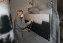 Poškozený povrch dveří - oprava / Damaged door surface - repair / Lakování poškozených dveří na místě, MOBILNÍ LAKOVNA - Lacquering of damaged doors on the spot, MOBILE PAINT SHOP
