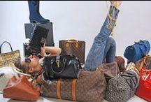 Mode et maroquinerie / Une nouvelle catégorie fait son apparition sur Monpriseur.fr, notre site de vente aux enchères en ligne à partir du 4 Février 2014 : Mode et Maroquinerie.  Découvrez ici une sélection des produits proposés par vos commissaires-priseurs.
