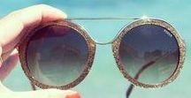 EMILIO PUCCI / L'universo Emilio Pucci oltre alle creazioni di prêt-à-porter  offre uno stile a 360 gradi includendo accessori, arredamento e occhiali.
