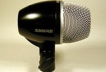 Shure PG52 Kick Drum Mic / High-performance cardioid dynamic kick drum microphone tuned to capture low-end punch.