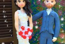 Cake toppers con sposini personalizzati / Cake Toppers personalizzati. Si eseguono #cake toppers personalizzati a seconda delle vostre esigenze! Non esitate a contattarmi!!!  #wedding #nozze #matrimonio #sposini
