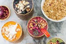 Petit-déjeuner / Breakfast / Idées de recettes pour petit-déjeuner : smoothie bowls, porridges, etc. / Breakfast ideas