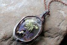 Biżuteria. Szkło, kamień i miedź / Glass, stone and copper jewellery. / Autorska biżuteria. O tym, jak szkło mięknie i zmienia formę, a miedź staje się dopełnieniem ogólnego efektu :)