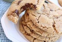 Recipes - Cookies!  {The BEST of Pinterest!} / The BEST and yummiest Cookies Recipes!  From easy and no-bake to elaborate works of art.  Perfect for any special occasion, Birthday Party, Bridal or Baby Shower, Wedding and Holiday celebration.  Or really...sometimes you just need a cookie!
