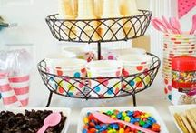 HOLIDAYS and CELEBRATIONS in DIY!  {The BEST of Pinterest!} / The BEST DIYs, paper crafts, home decoration project tutorials, activities, Recipes, games, entertaining and party ideas!  Everything you need to make your holiday or celebration memorable and fun - the handmade, homemade and homegrown way!