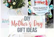 DIY - Mother's Day! {The BEST of Pinterest!} / The BEST DIY ideas to make Mom feel special on Mother's Day!  Pamper her with handmade beauty products, homemade treat Recipes, Throw a pretty party and set up the perfect Mother's Day Brunch Buffet!  Decorations, Paper Crafts and Tutorials - ALL of the best handmade Mother's Day ideas around the web!