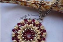 Beaded pendants & brooches tutorials