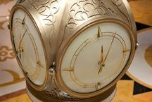 Luxury Hotel Interiors / World's finest mechanical feature clock welcomes guests to the Waldorf Astoria, Ras Al Khaimah