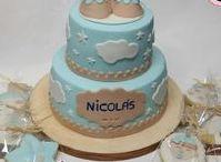 Tartas Bautizo y detalles / Tartas de bautizo de niña y niño. Ideas para crear una tarta original de bautizo. También galletas y cupcakes como ideas de regalo o recuerdo de bautizo  http://ditartas.com/