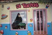 La tienda y el equipo / Nuestra tienda de repostería creativa en Petrer (Alicante) Fachada, interiores, estanterias. Nuestras inaguraciones y amigos que nos visitaron.