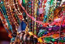 Marocco inspiração /  Марокко – уникальная, удивительная страна. Вас поразит колорит местной культуры. Сочетая в себе европейскую и арабскую культуру, Марокко с каждым годом становится все более популярным.  В стране производят потрясающие по красоте шелк, кожаные изделия, ювелирные украшения, стекло и керамику.