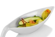 Colectia de sosiere / Va punem la dispozitie sosiere din portelan sau inox. Sunt potrivite pentru locatii de tip bistro, restaurant sau cantina.