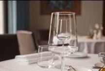 Restaurant O Mundo  / Eten en drinken in O Mundo is een feest. Gaat u er maar eens goed voor zitten. De spijzen en dranken verdienen al uw aandacht voor geuren, proeven en smaken. De gerechten waaruit u kunt kiezen zijn puur en zonder fratsen en worden u met grote liefde voor het vak en creatieve aandacht voor de presentatie.