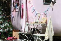 Gepimpte caravans / À la ariadne at home