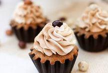 CUPCAKES & MINIS / Cupcakes, Cake Pops & Minis