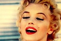 Marilyn Monroe -'♚'- Fashion Icon / Give a girl the right shoes, and she can conquer the world. Marilyn Monroe